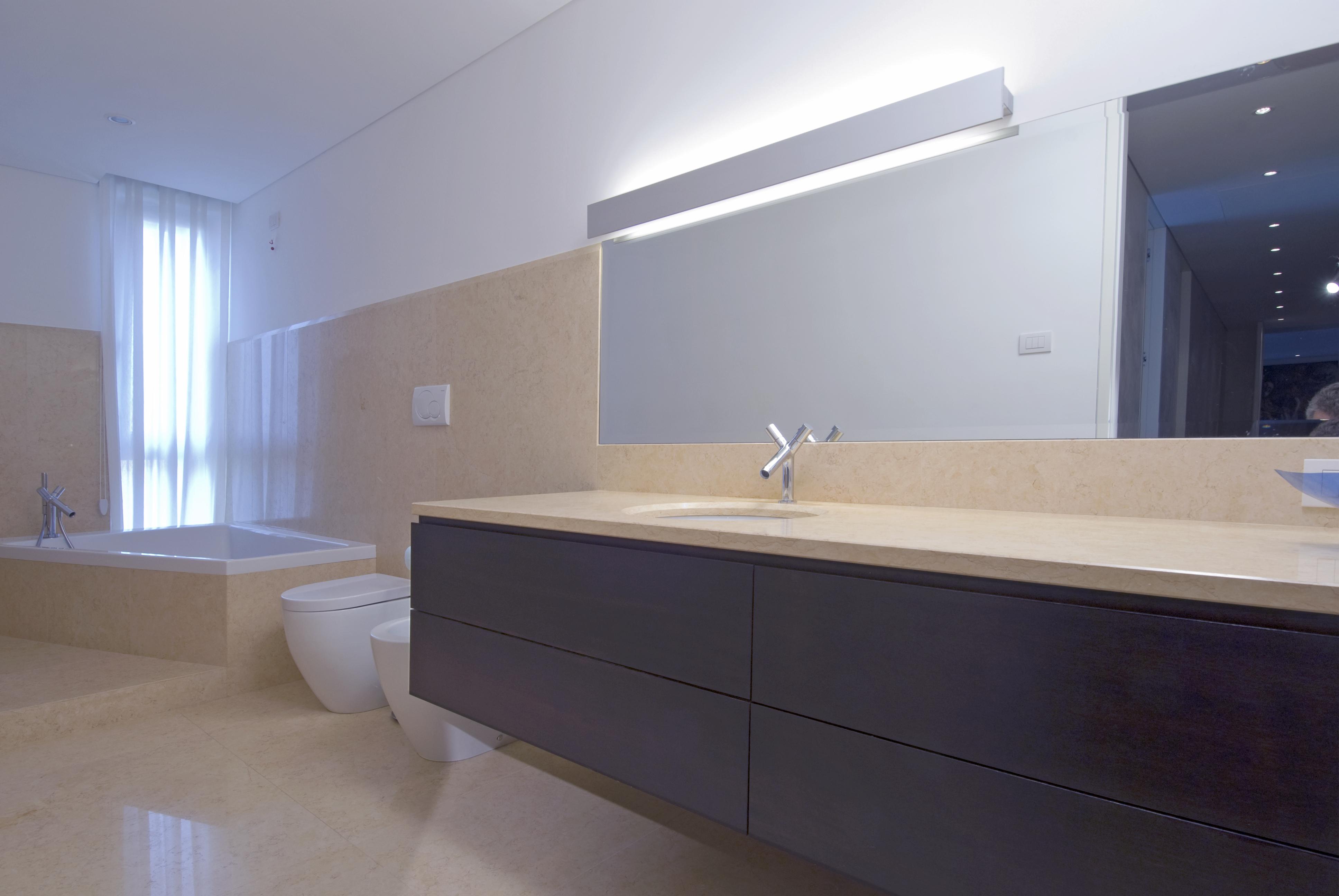 Mobili ed arredo bagno su misura treviso qualità stile e lusso
