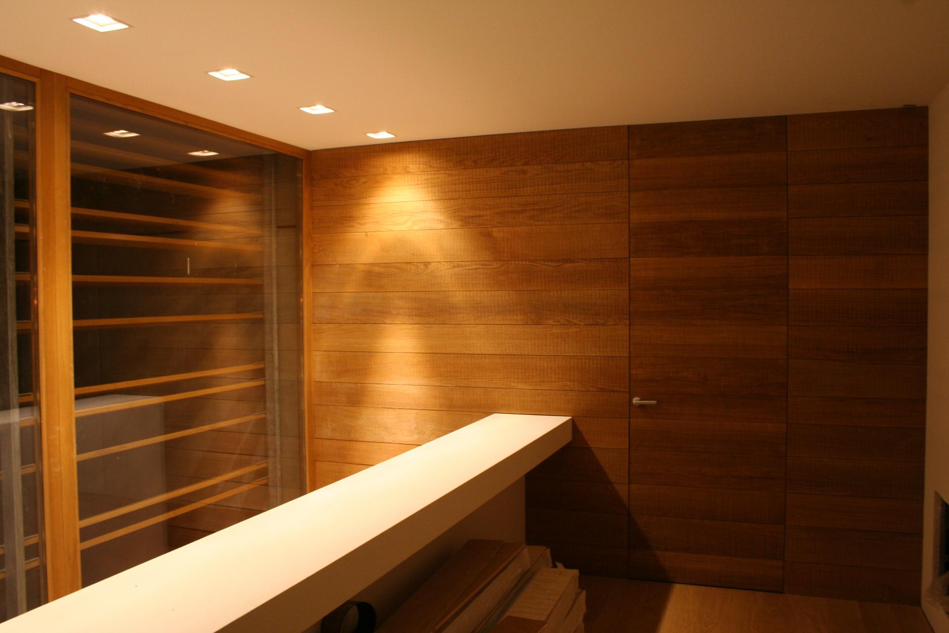 Rivestimenti in legno su misura per interni