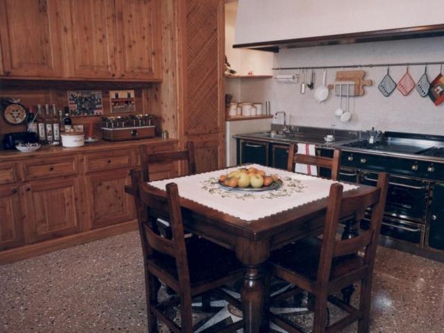 Cucina in abete cerato