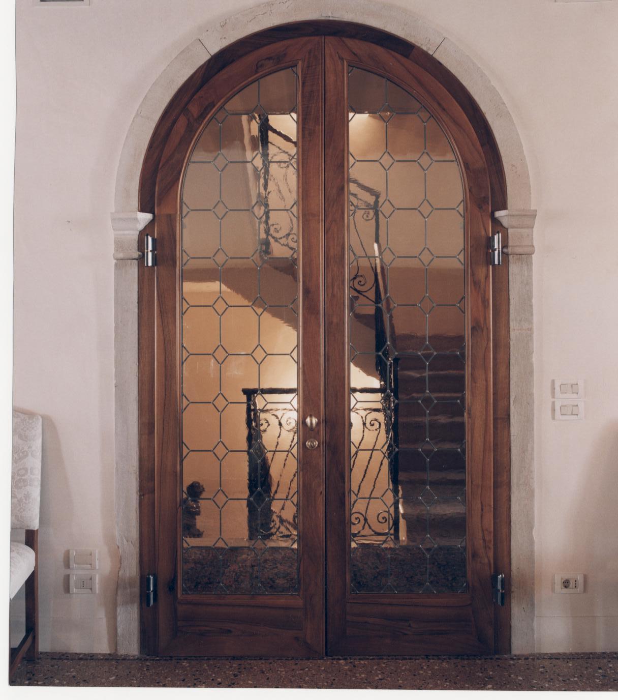 Serramenti e porte in legno su misura for Porte e porte