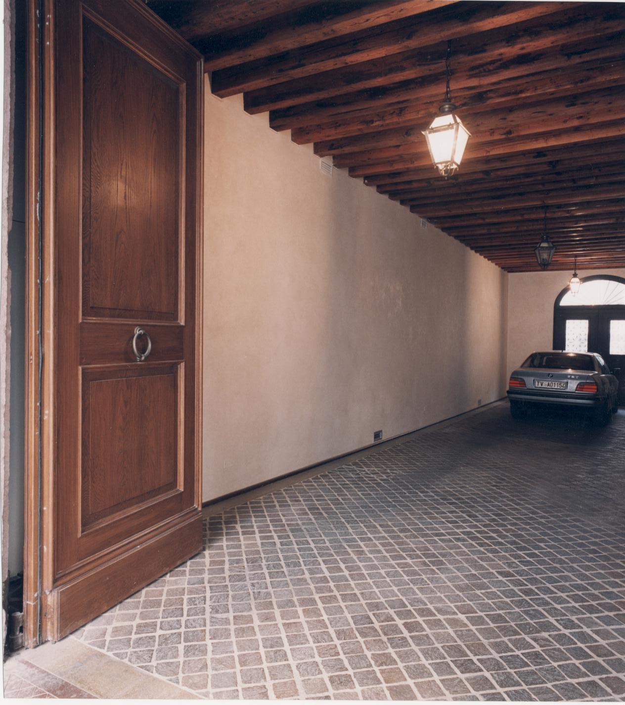 Classical garage door