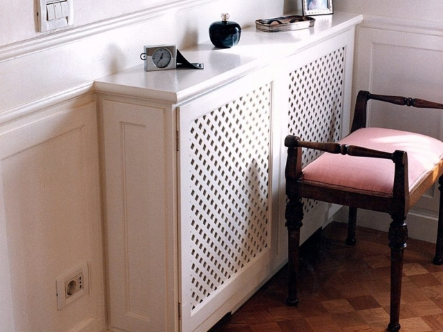 Lacquered cover for radiator