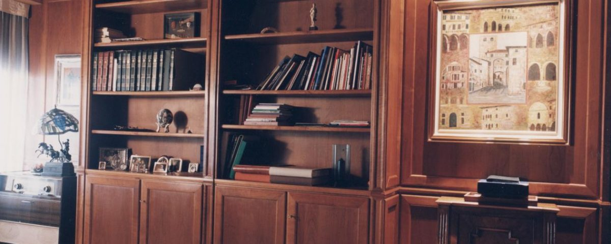 Libreria in noce nazionale finito a gommalacca1