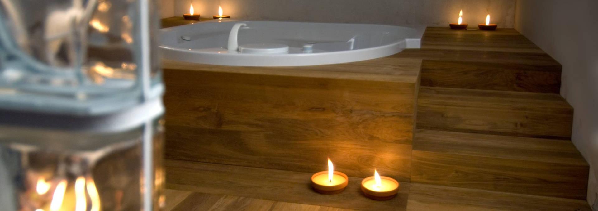 Zona-relax-realizzata-in-teak-Atelier-Tonini